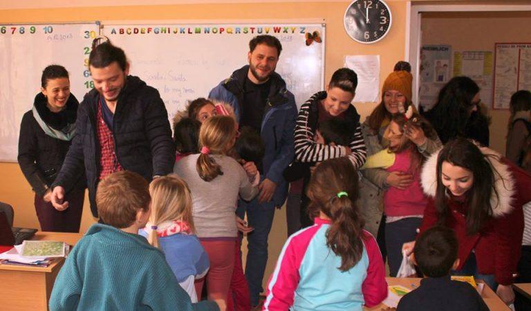 Cum e să donezi zâmbete de Crăciun. Cadourile atipice primite de copiii dintr-o comună de lângă Cluj