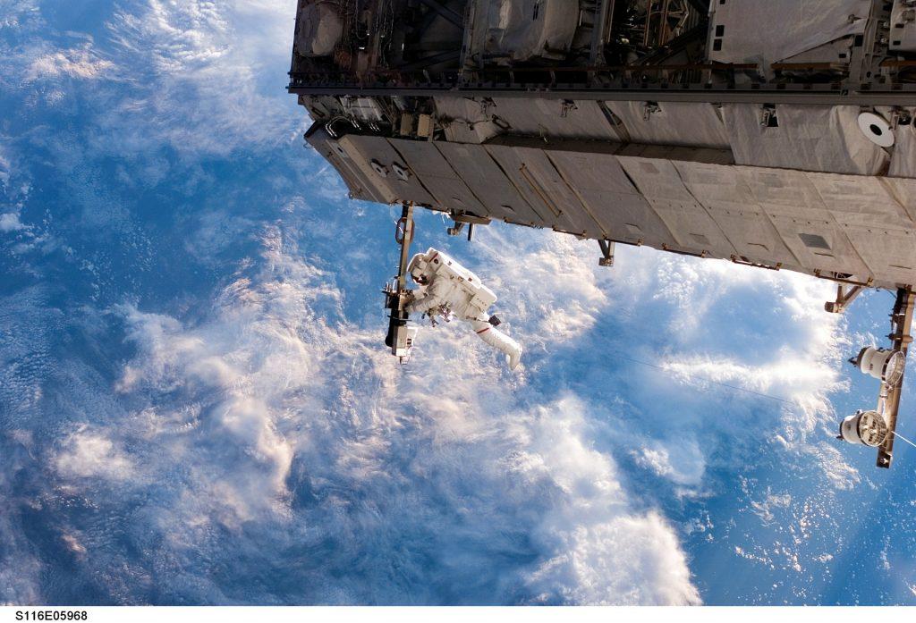 spacewalk-pe-statia-spatiala-internationala